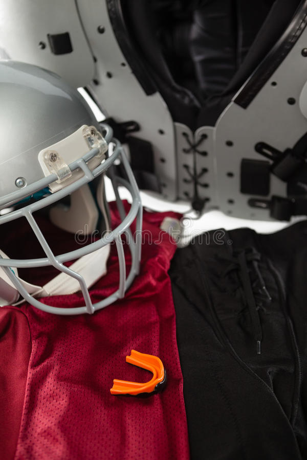 Ideia de ângulo alto do protetor de caixa com os esportes uniformes imagens de stock royalty free