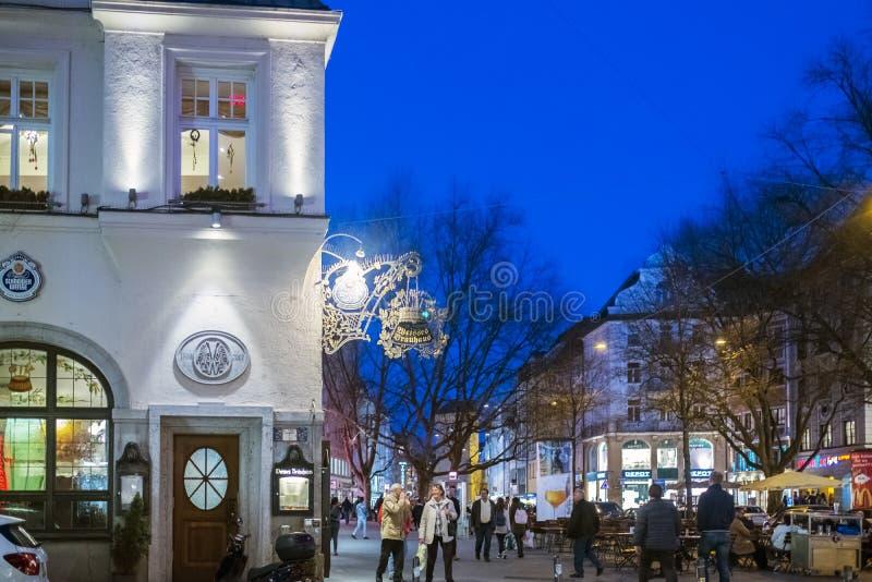 Ideia de um canto da cervejaria famosa Schneider Bräuhaus fotografia de stock royalty free