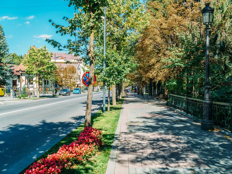 Ideia do centro de Sinaia, de cidade e de resort de montanha no Condado de Prahova imagem de stock royalty free