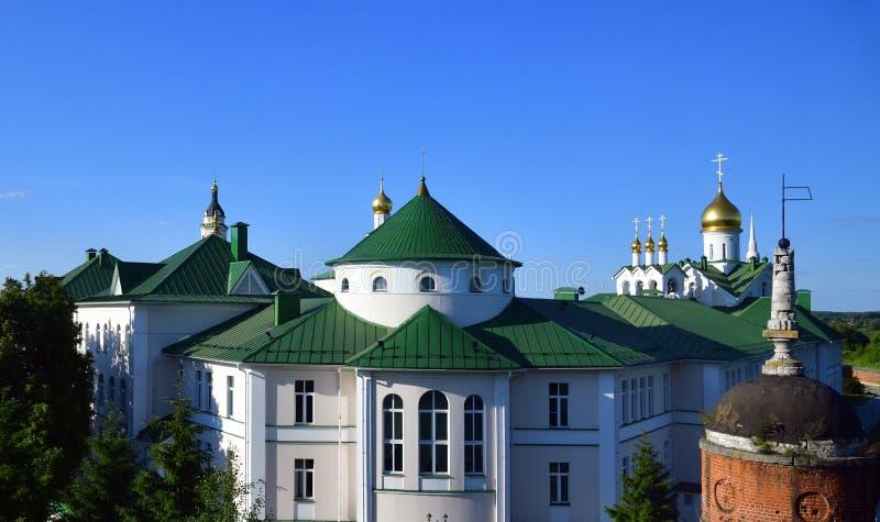 a ideia do esmagamento Staro Golutvin equipa o monastério em Kolomna, Rússia imagens de stock royalty free