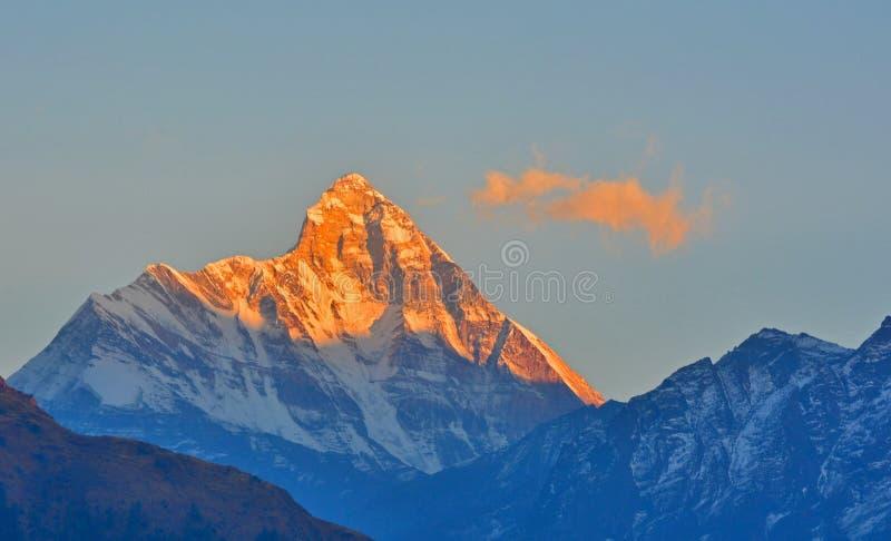 Ideia do nascer do sol do pico de Nandadevi fotografia de stock royalty free