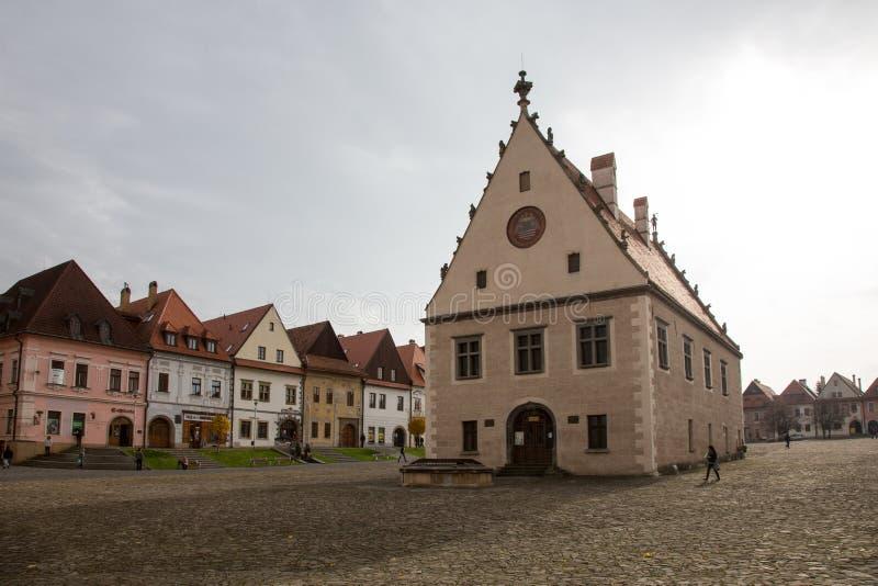 Ideia do outono do mercado velho da cidade em Bardejov, Eslováquia imagens de stock royalty free