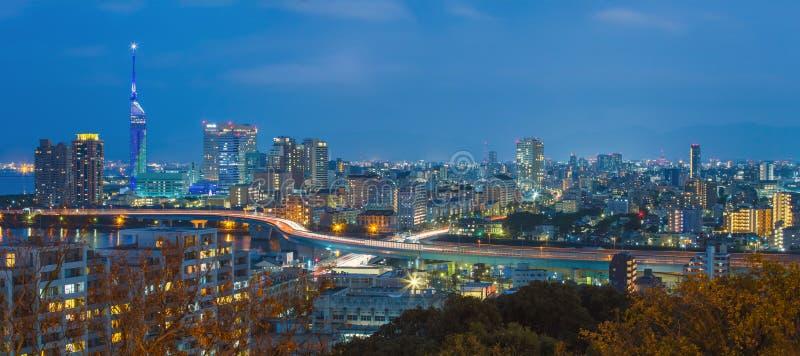 Ideia do panorama da arquitetura da cidade de Fukuoka em Kyushu, Japão fotografia de stock royalty free