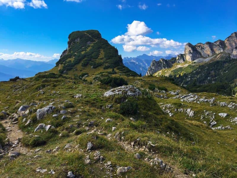 Ideia do pico de montanha de Gschoellkopf em Rofan, Brandenberg alpino imagem de stock