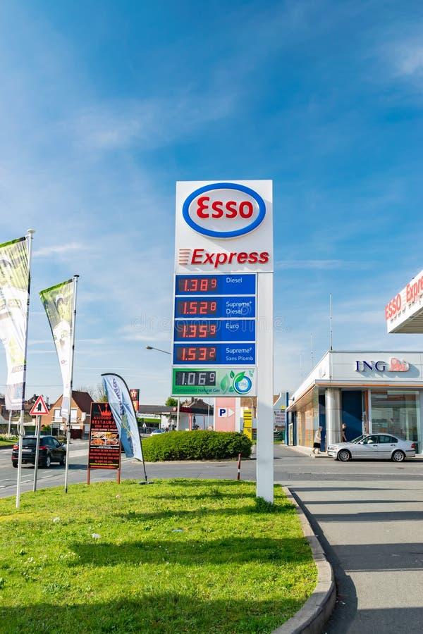 Ideia do posto de gasolina de Esso fotos de stock
