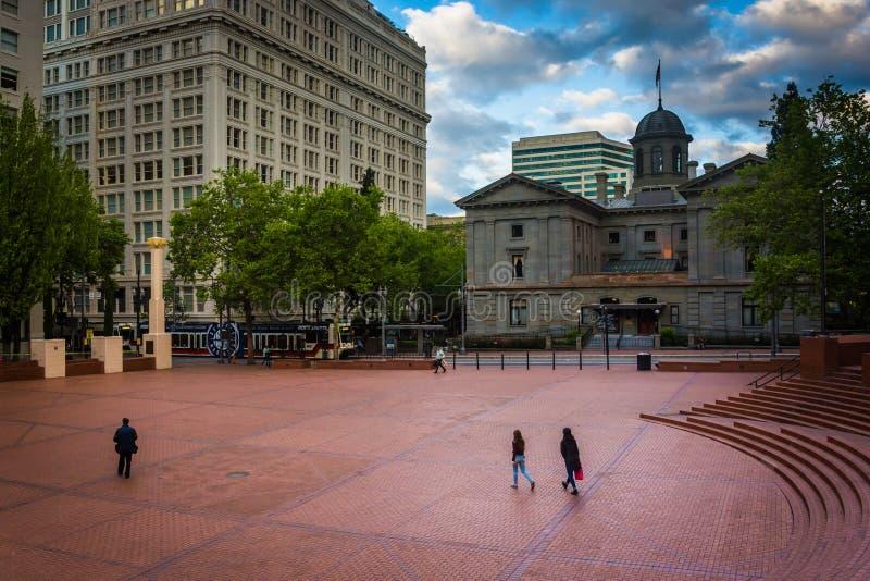 Ideia do quadrado pioneiro do tribunal, em Portland fotografia de stock