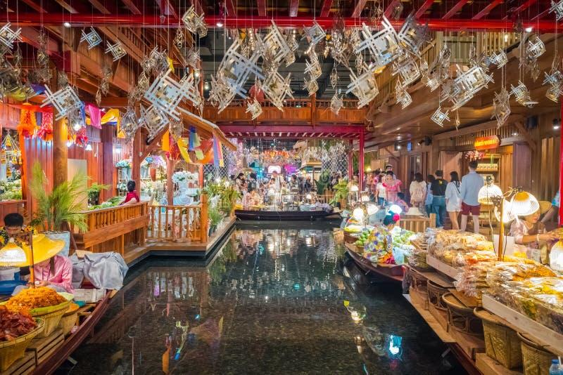 A ideia interior do ÍCONE SIÃO, é o shopping e o marco novos de Banguecoque, Tailândia fotografia de stock