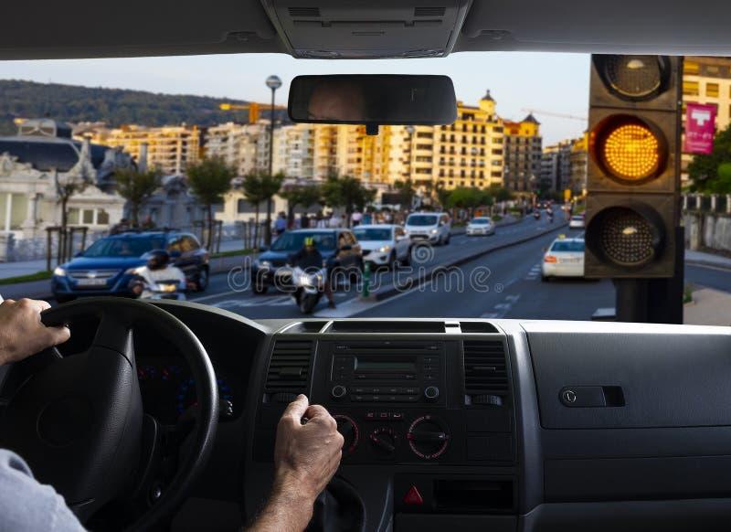 Ideia interna do carro de um sinal alaranjado fotos de stock