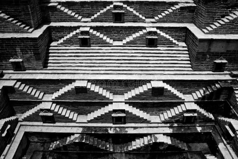 Ideia larga de um stepwell antigo em Jodhpur, Índia imagem de stock royalty free