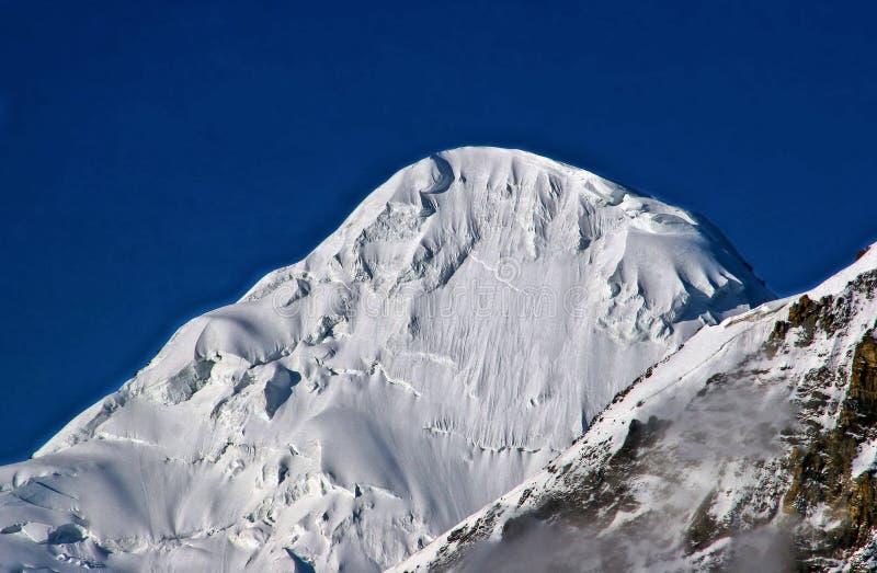 Ideia lateral do pico K2 o segundo pico o mais alto no mundo fotografia de stock