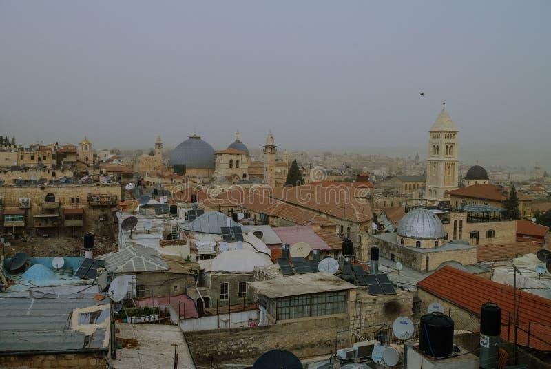Ideia panorâmico do telhado do Jerusalém a tempo da tempestade de areia foto de stock royalty free
