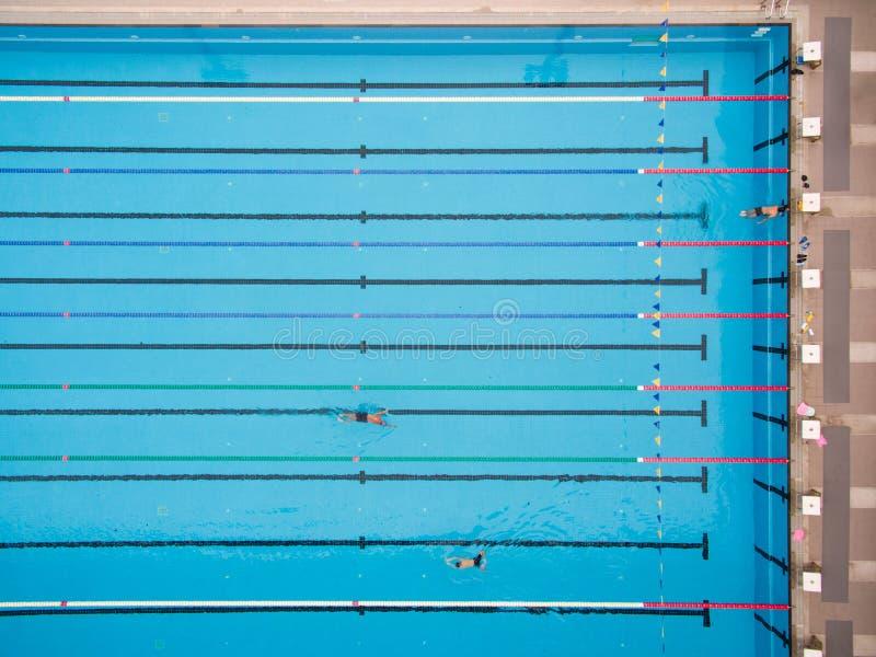 Ideia superior da piscina imagens de stock royalty free