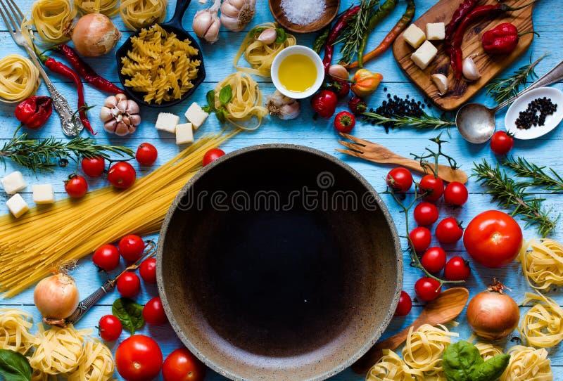 Ideia superior de todo o componente necessário do alimento para fazer-me a um clássico imagens de stock royalty free