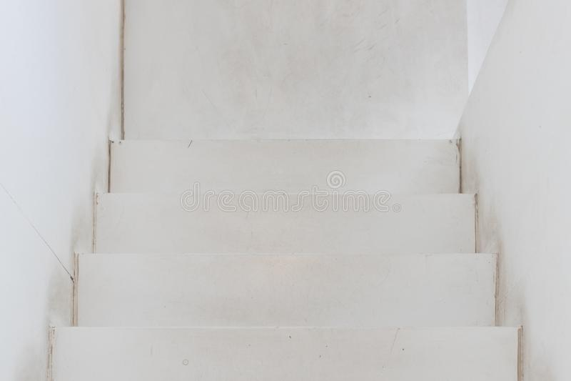A ideia superior do branco velho woooden a escadaria foto de stock