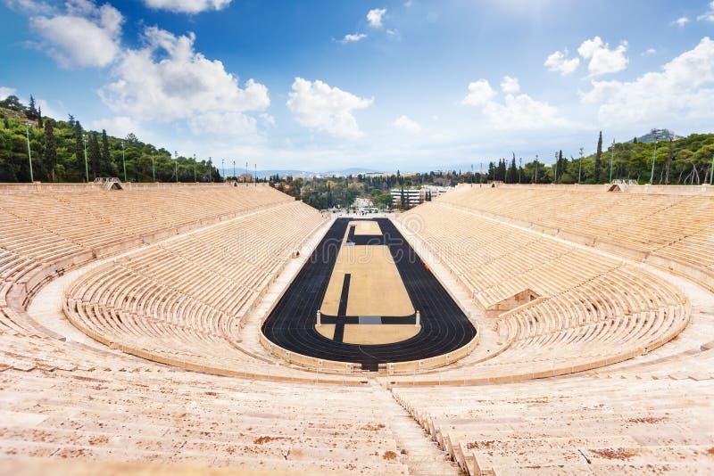 Ideia superior do estádio de Panathenaic em Atenas imagem de stock
