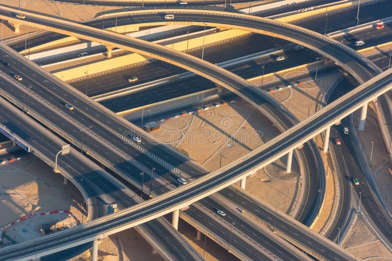 Ideia superior do intercâmbio da estrada em Dubai foto de stock royalty free