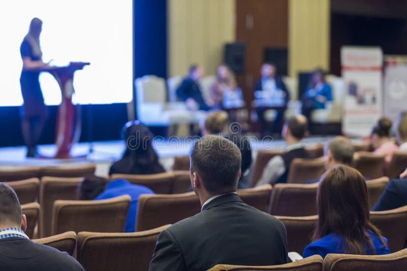 Ideias da reunião de negócios e das conferências Grupo de pessoas Attendin foto de stock royalty free
