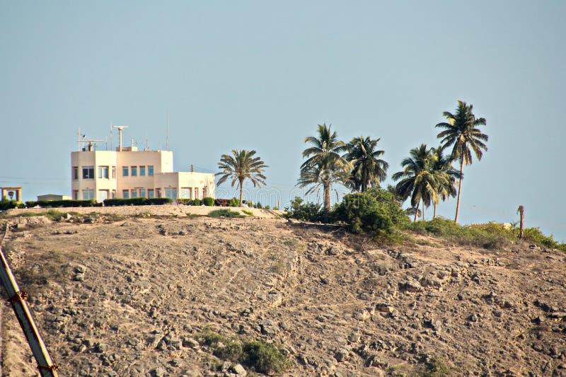Ideias do litoral, do cais e das facilidades terrestres do porto de Salalah, Omã, Oceano Índico fotografia de stock