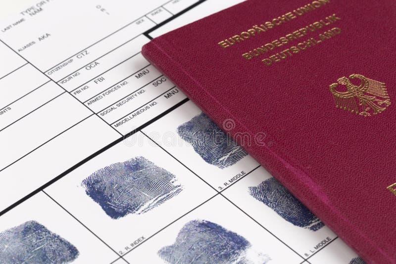 Identifiera med fingeravtryck kortet arkivbilder