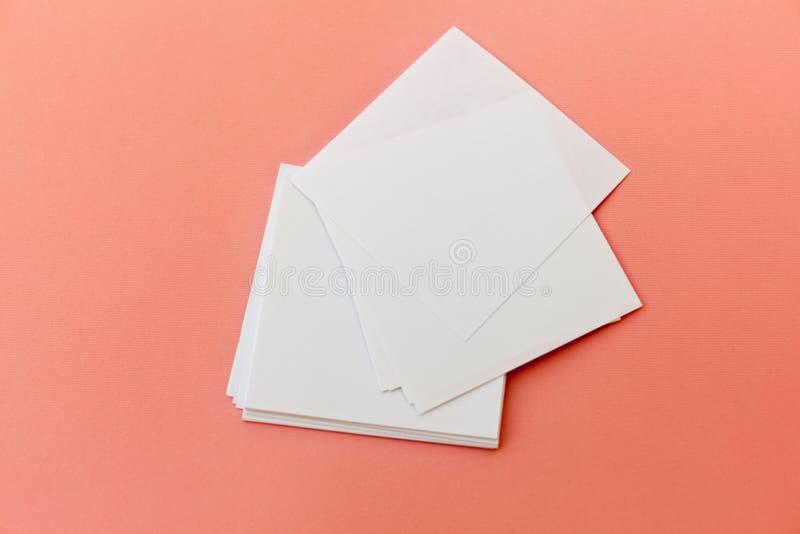 Identitetsdesign, företags mallar, företagsstil, uppsättning av häften, tom vit vikningpappersreklamblad royaltyfri fotografi