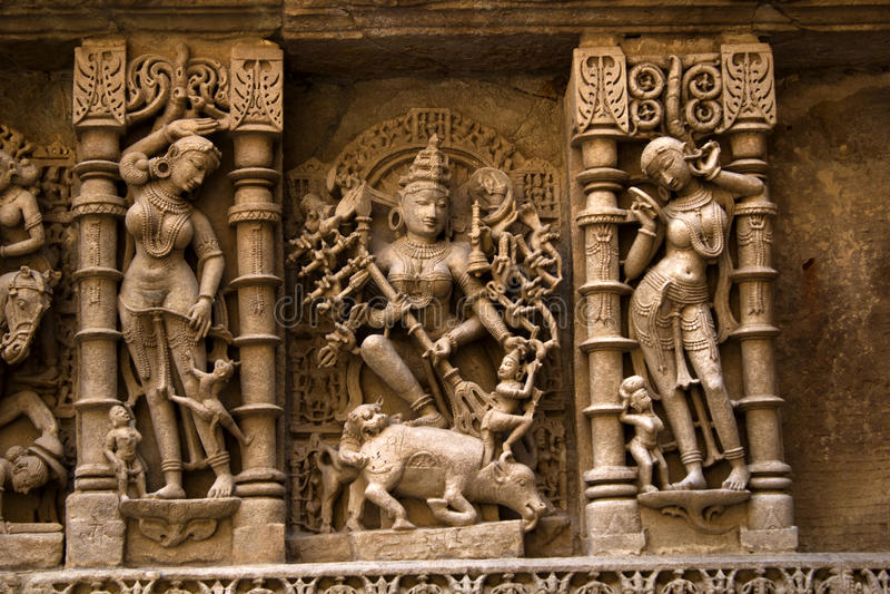 Idol der Göttin Durga an Ranis ki vav lizenzfreie stockfotos