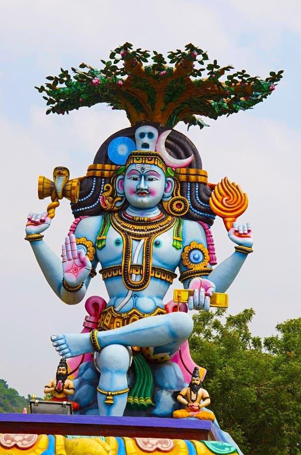 Idole coloré de Lord Shiva, sur le chemin à Kanchipuram, Tamil Nadu, Inde photo libre de droits