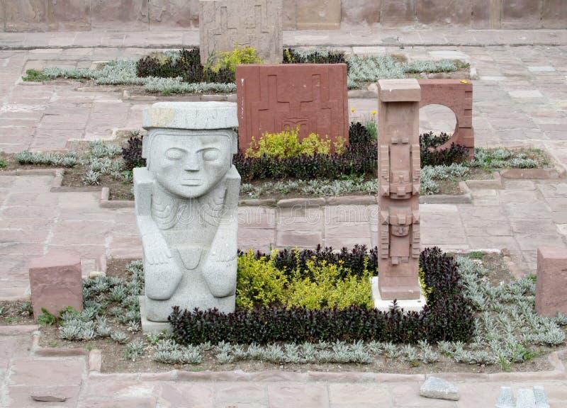 Idolenstandbeelden van Tiwanaku stock foto