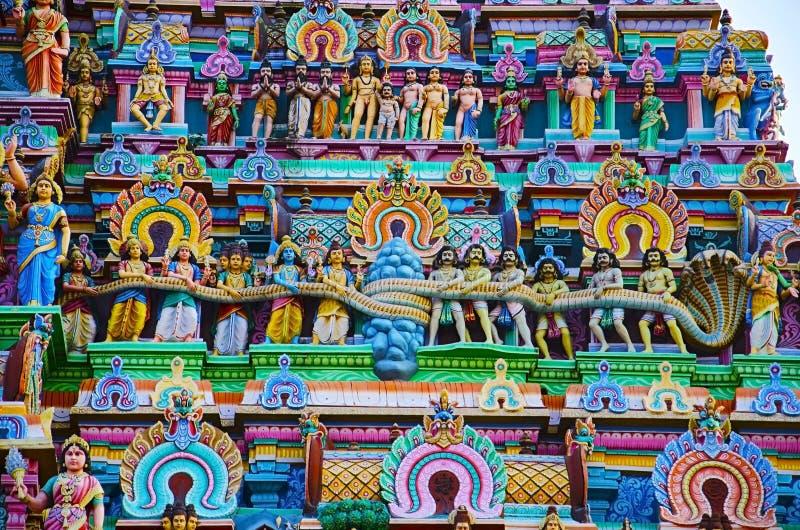 Idoles colorés sur le Gopuram de Nataraja Temple, Chidambaram, Tamil Nadu, Inde images libres de droits