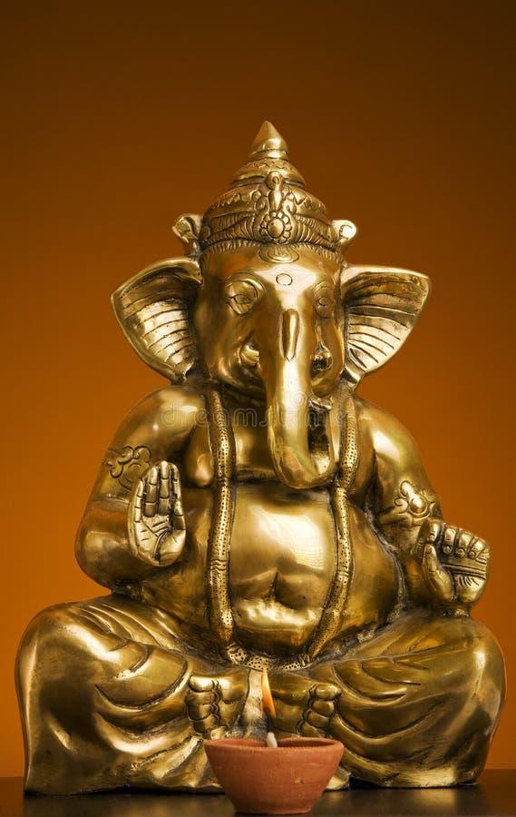 Idolo dorato del signore Ganesh Blessing Everyone fotografia stock libera da diritti