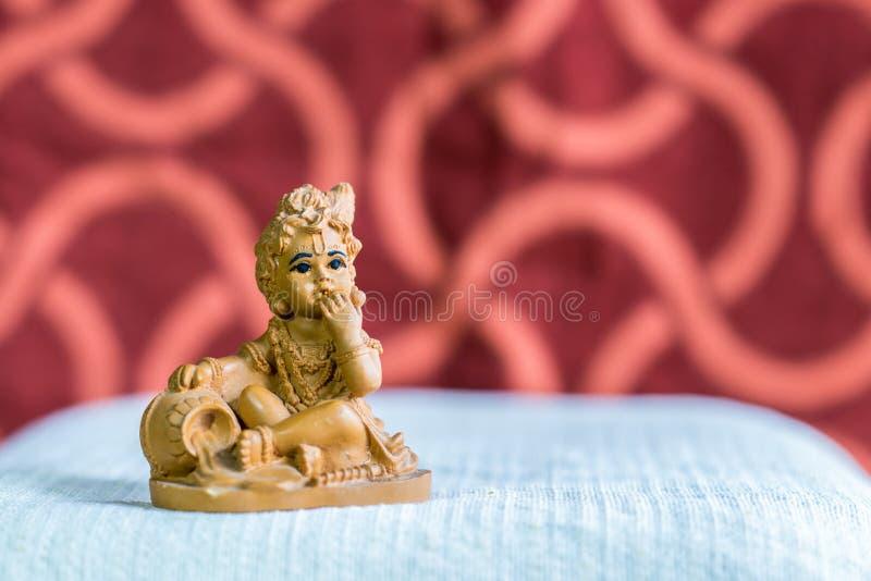 Idool van Lord Krishna in zijn kinderjarenvorm royalty-vrije stock fotografie