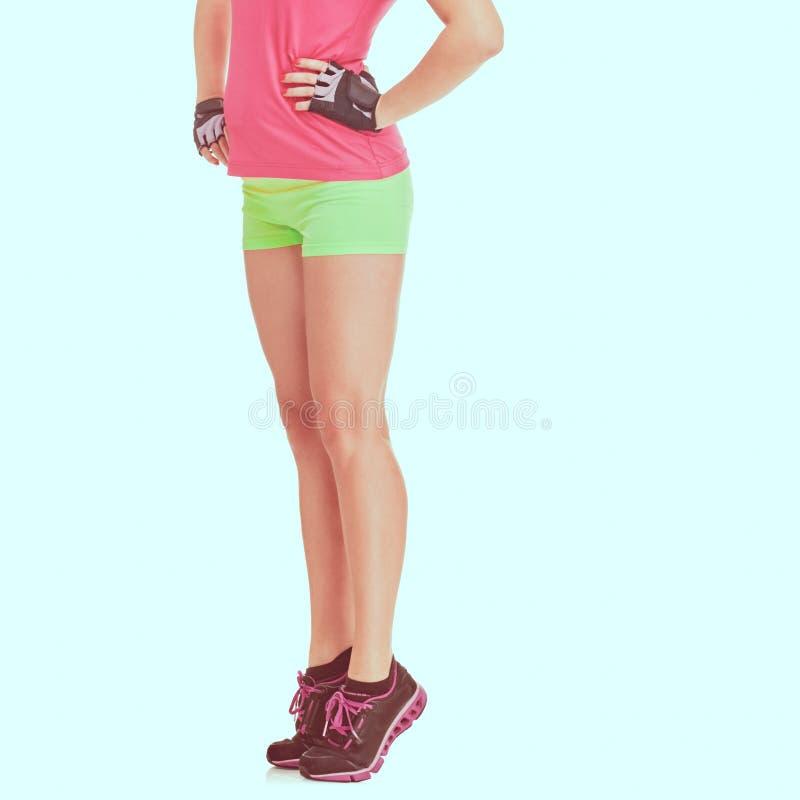 Idrotts- kvinnas ben arkivbilder