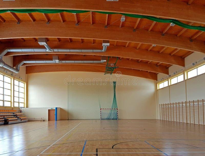 Idrottshall i skolan Sportlätthet Sund utbildning av barn Fysiska kultur och sportar Utbildning av barn och ungdom S royaltyfria bilder