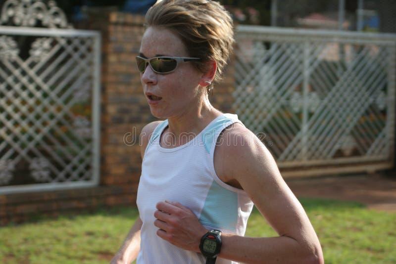 idrottsman nenkvinnligutbildning arkivfoton