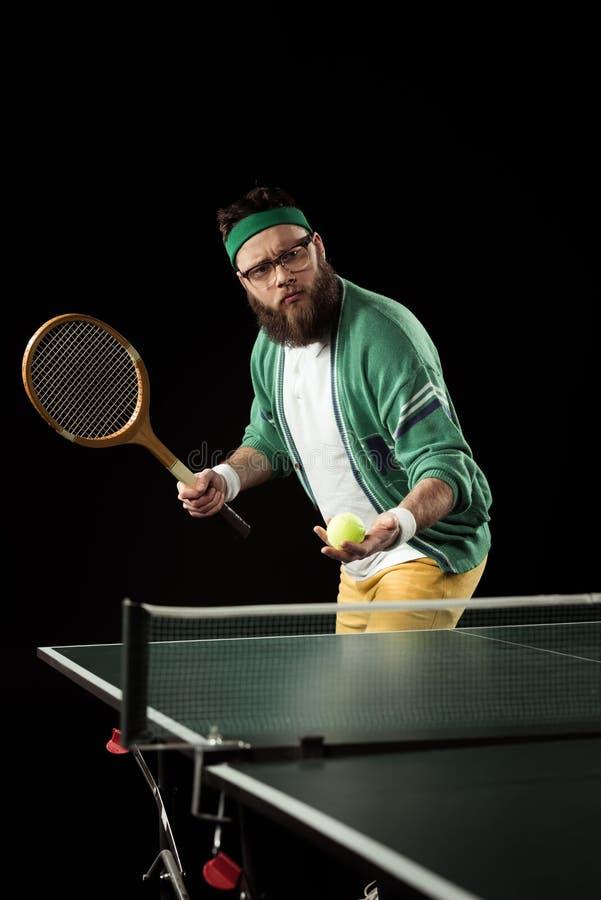 idrottsman som spelar bordtennis bara royaltyfri fotografi