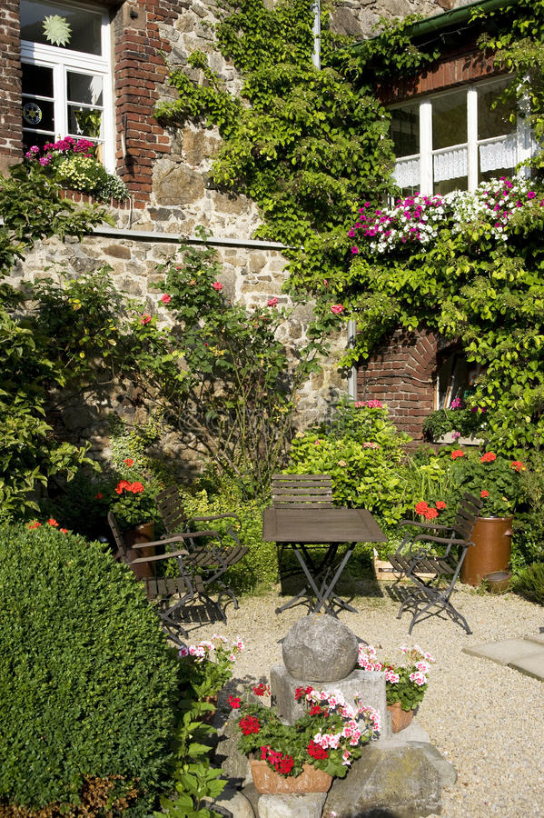 Download Idyllic garden stock photo. Image of relaxation, recovery - 20113118
