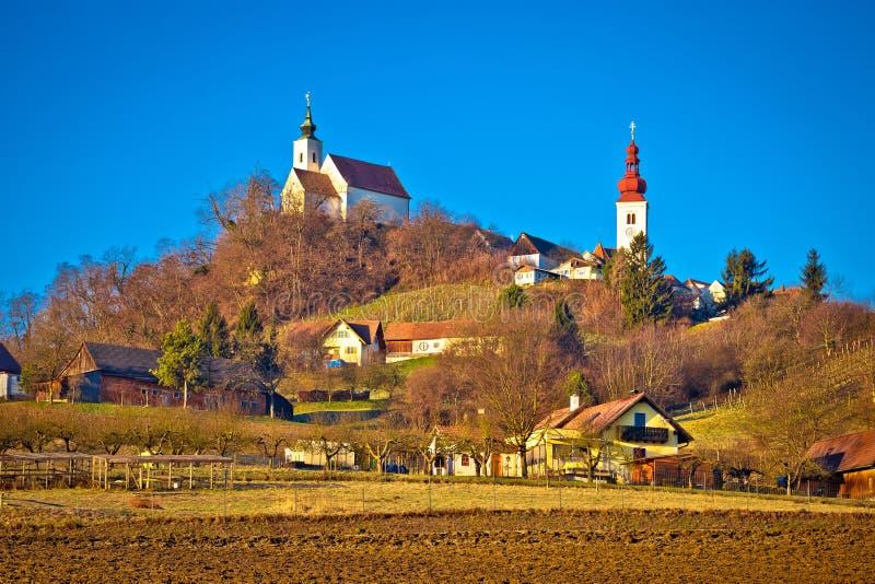 Idylliczna austriacka wioska Straden na zielonego wzgórza widoku obrazy stock