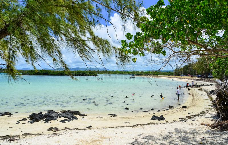 Idylliczny tropikalny morze w słonecznym dniu obraz stock