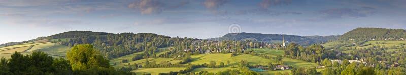 Idylliczny wiejski krajobraz, Cotswolds UK fotografia stock