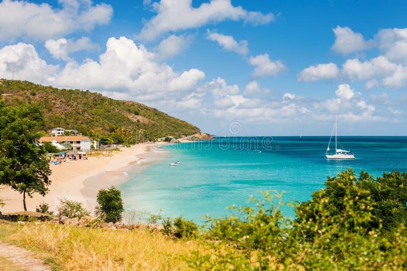 Idyllisch strand in de Caraïben royalty-vrije stock afbeeldingen