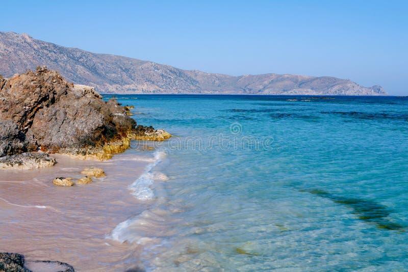 Idyllische Elafonissos-lagune op Kreta stock afbeeldingen