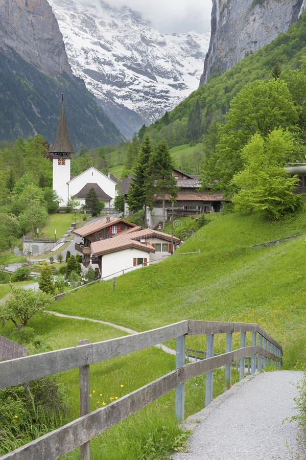 Idyllische Landschaft von Lauterbrunnen-Tal, die Schweiz stockbilder