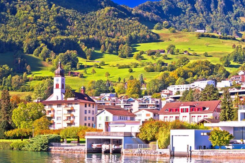 Idyllisches Luzern Seedorf der Hergiswil-Ufergegendansicht stockfotos