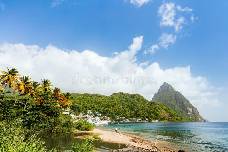 Idyllisk strand på karibiskt fotografering för bildbyråer