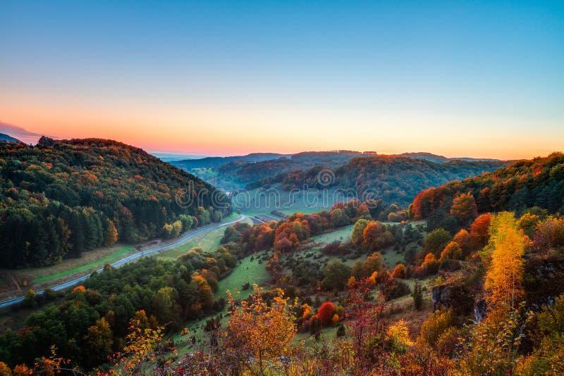 Idylliska Autumn Scenery arkivfoto
