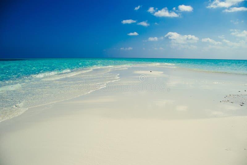 Idylliskt paradisölandskap exotiskt tropiskt för strand Sommarsemestern, den populära destinationen, den lyxiga feriesemesterorte arkivfoton