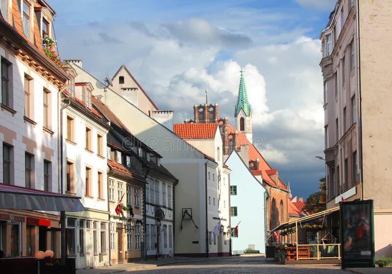 Iela de Skarnu de rue Riga, Lettonie photo stock