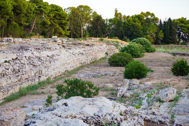 Ierone法坛我是在古老处所的大不朽的工作Neapolis在考古学公园内的西勒鸠斯  库存图片