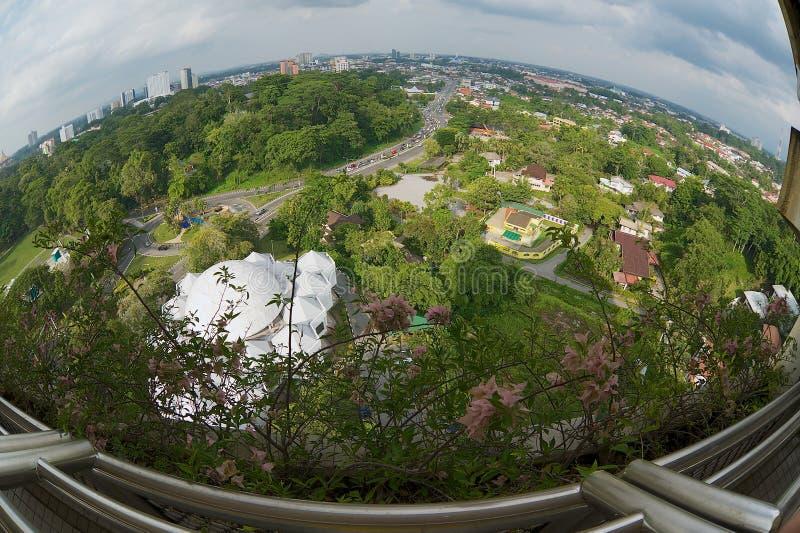 Iew à cidade de Kuching da torre da tevê em Kuching, Malásia imagens de stock royalty free
