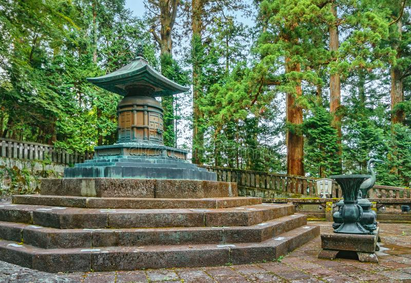 Ieyasu Tokugawas grav royaltyfri bild