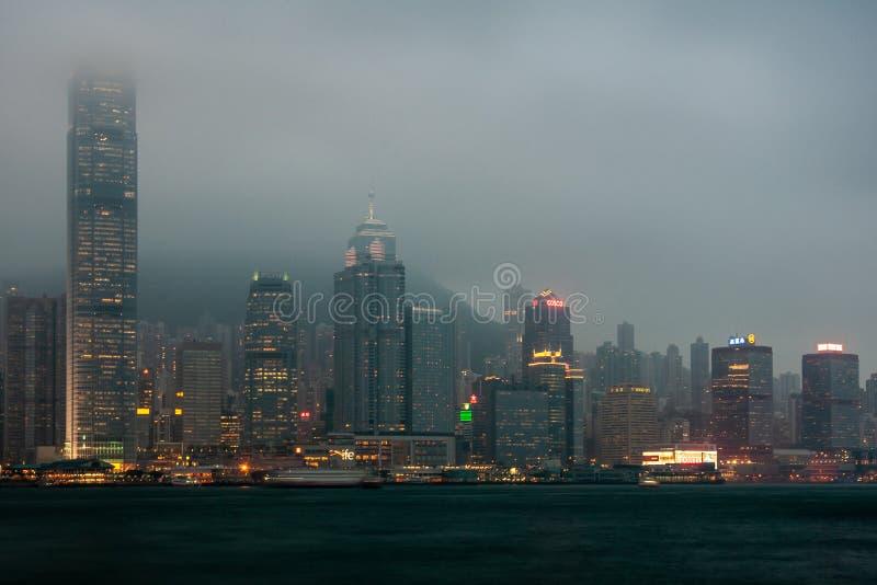 1IFC、2IFC、中环中心和更多夜地平线港岛,中国 免版税库存照片